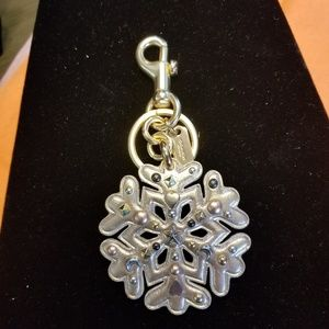 🎁COACH Silver Stud Snowflake Keychain Bag Charm❄